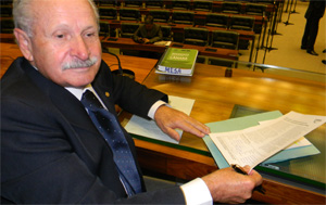 Brazilian federal deputy Onofre Agostini after signing the appeal on 19 March 2014