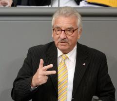 Jürgen Klimke (CDU) spricht während der Plenardebatte (Bild: Deutscher Bundestag / Achim Melde)